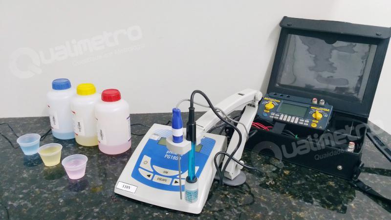 Calibração de phmetro de bancada